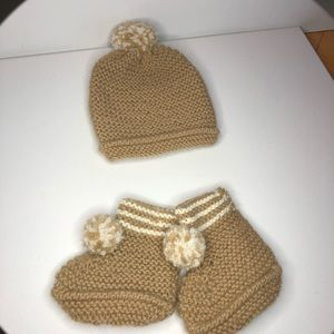 Handmade hat and slippers